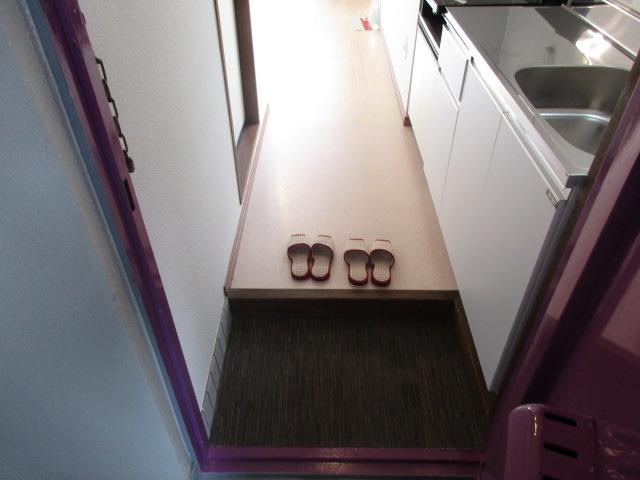 メゾンソレイユ 201号室の玄関