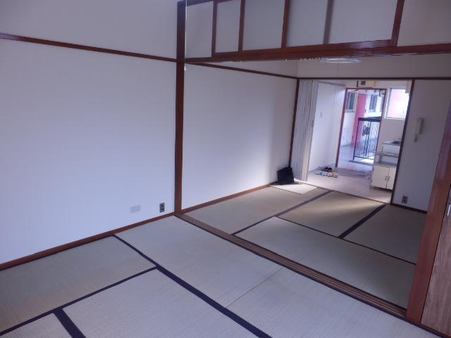 ブルーゼンハイツ 201号室のリビング