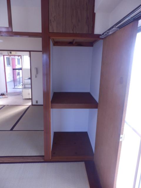 ブルーゼンハイツ 201号室の収納