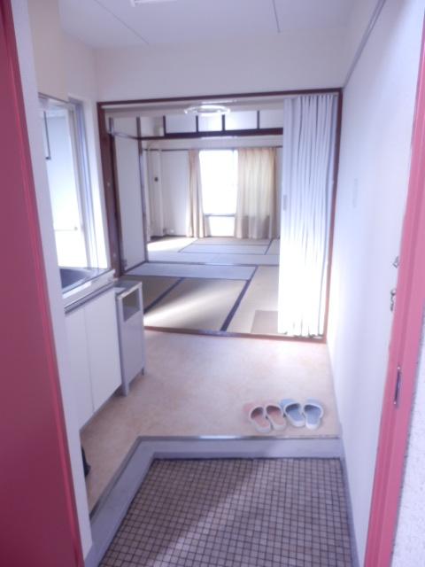 ブルーゼンハイツ 201号室の玄関