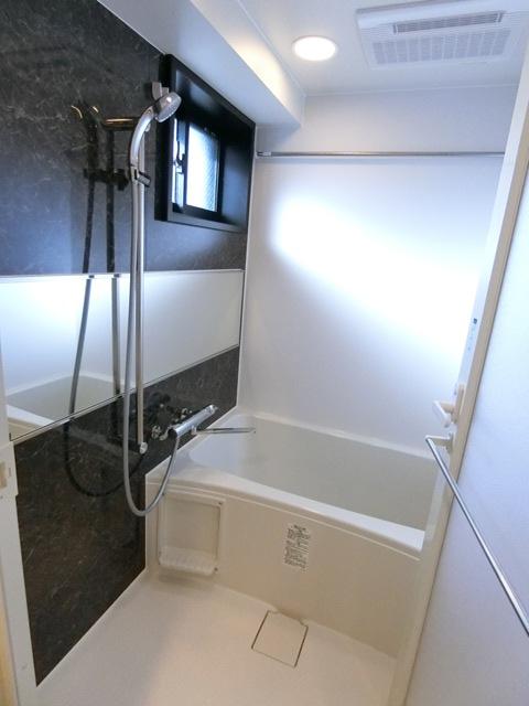 ヴィラージュ県庁前参番館 1001号室の風呂
