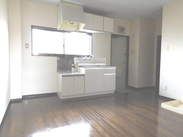 マギーハイツ 202号室のキッチン