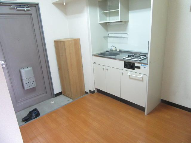 ブルースカイ 205号室の居室
