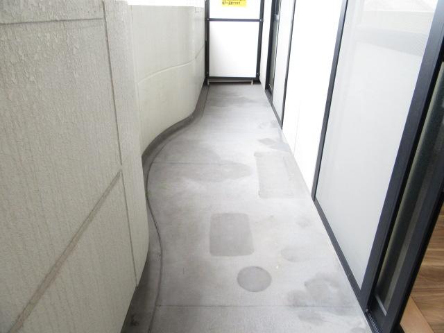 バン フーユ 203号室のバルコニー