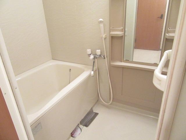 バン フーユ 203号室の風呂