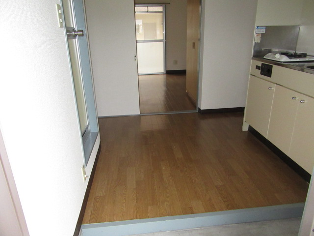 ウエストコート 305号室の玄関