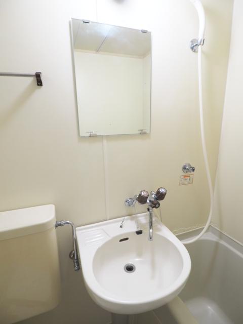 新守山カジウラマンション 1C号室の洗面所