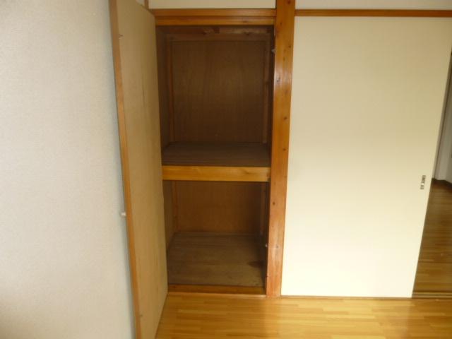 ワンステップ保木間 201号室の収納