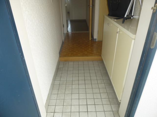 モアグレース竹ノ塚 302号室の玄関