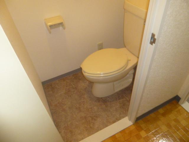 モアグレース竹ノ塚 302号室のトイレ