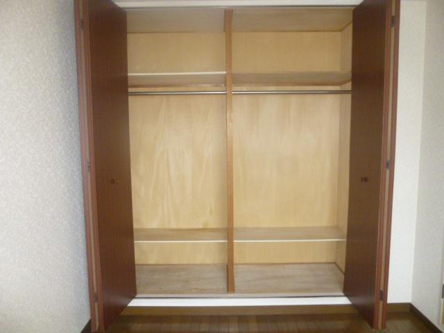 モアグレース竹ノ塚 302号室の収納