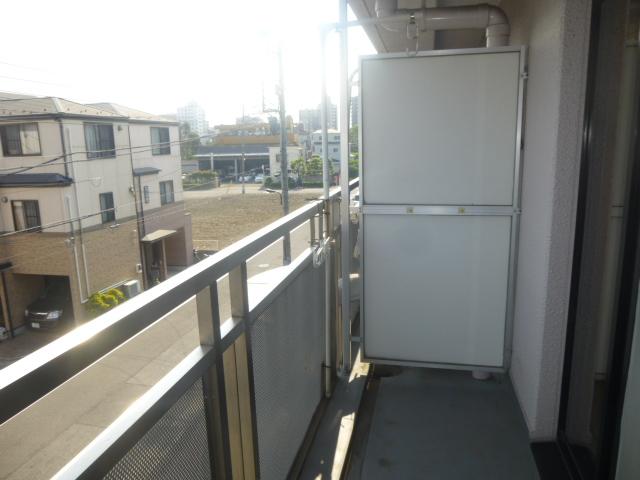 モアグレース竹ノ塚 302号室のバルコニー