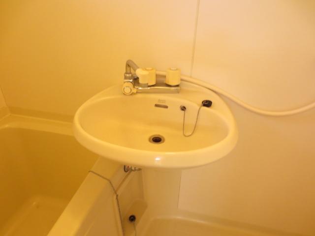 KⅢアパート 203号室の洗面所