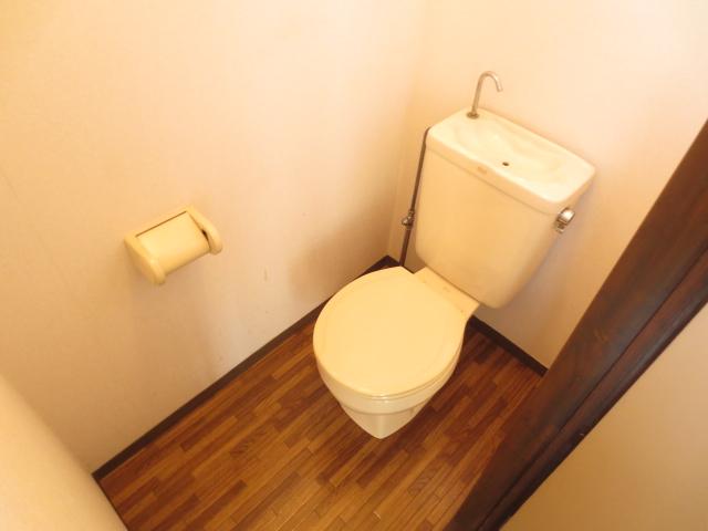 KⅢアパート 203号室のトイレ