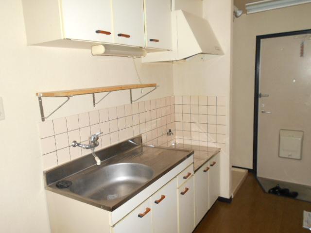 コ・クーン2宮子 106号室のキッチン