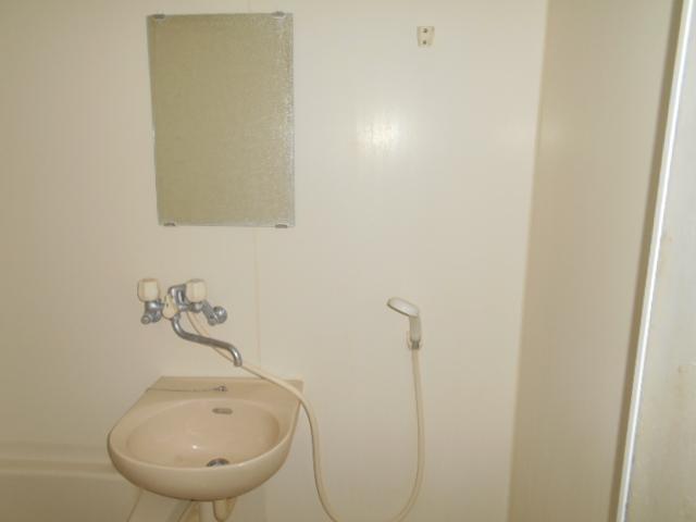コ・クーン2宮子 106号室の洗面所