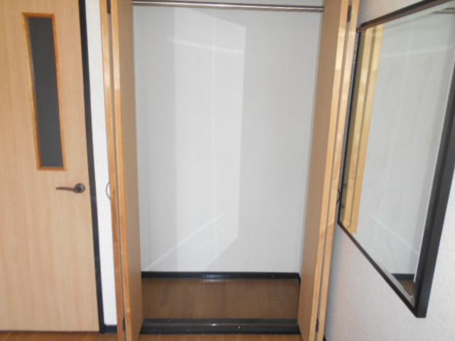 コ・クーン2宮子 106号室の収納