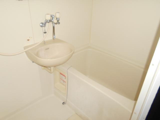 コ・クーン2宮子 202号室の風呂
