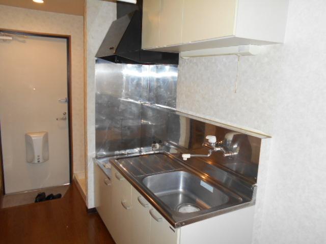 コ・クーン8連取 104号室のキッチン