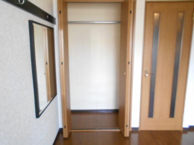 コ・クーン8連取 104号室の収納