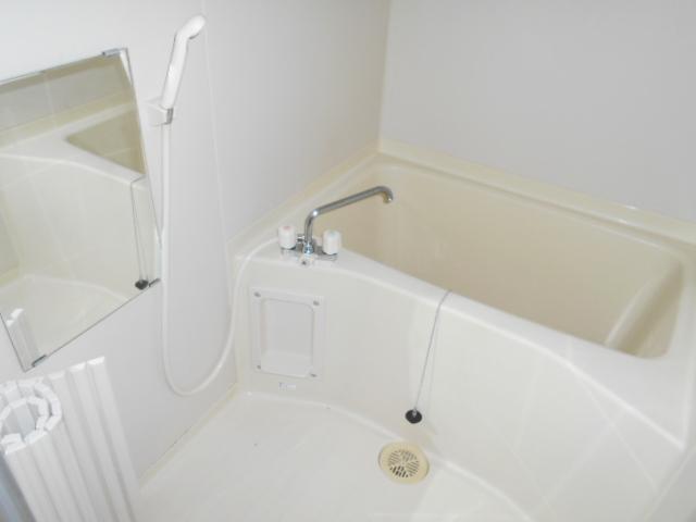 コ・クーン8連取 109号室の風呂