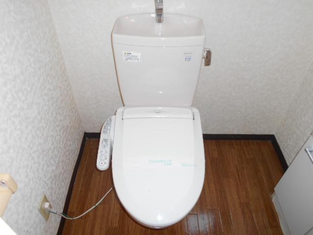 コ・クーン8連取 109号室のトイレ