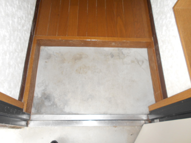 コ・クーン8連取 109号室の玄関