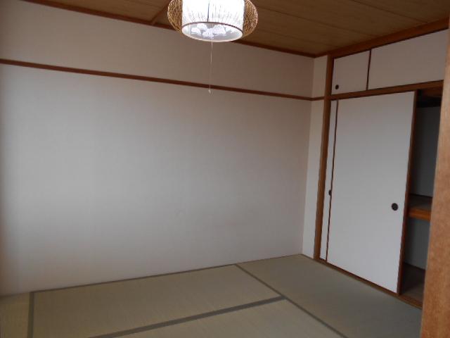 WEST-1 605号室のベッドルーム