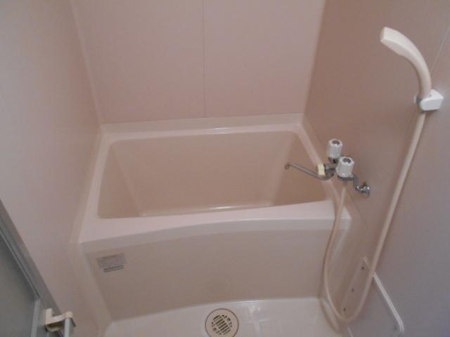 ル・松尾 402号室の風呂