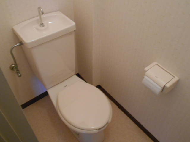 ル・松尾 402号室のトイレ