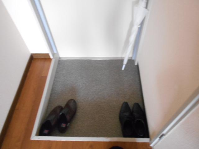 ル・松尾 402号室の玄関
