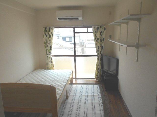 パラドール円町 207号室のリビング