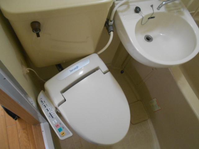 フルール御池 301号室のトイレ