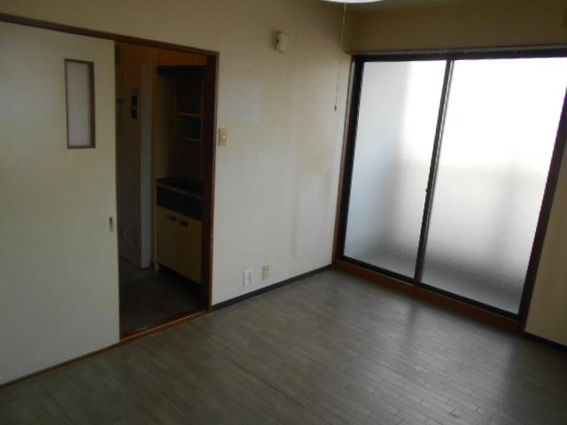 サンフローラ 501号室のリビング