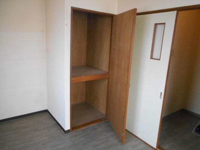 サンフローラ 501号室の収納