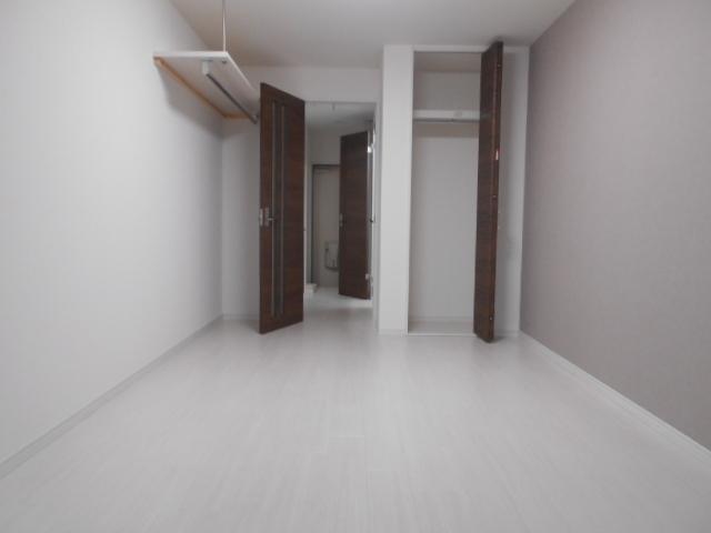 ASフラッティ葛野 201号室のリビング