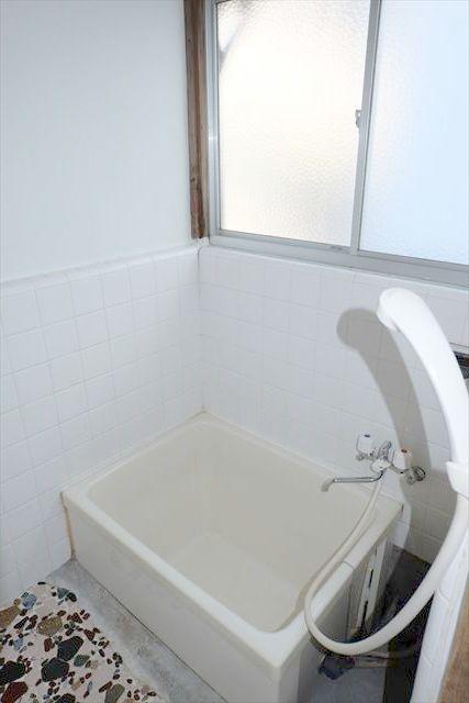 暁一丁目貸家の風呂
