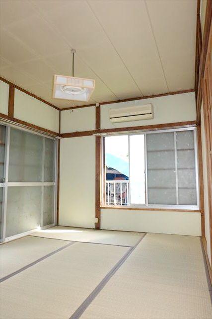 南飯田貸家のリビング