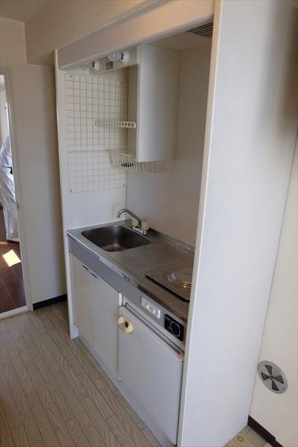 安武マンション駅東 501号室のキッチン