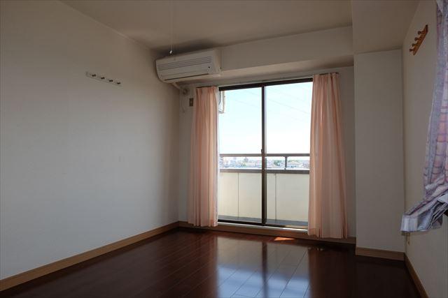 安武マンション駅東 501号室のベッドルーム