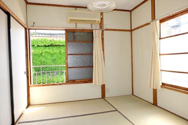 睦荘 2号室のベッドルーム
