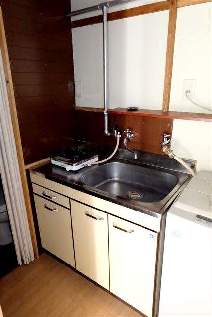 睦荘 2号室のキッチン