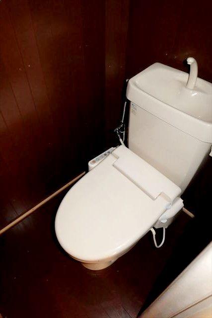 睦荘 2号室のトイレ