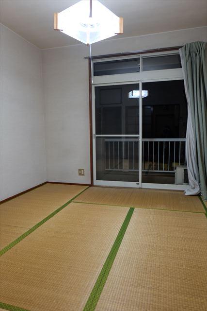 シティーペンション片柳 204号室のリビング