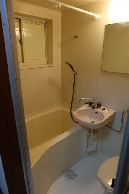 シティーペンション片柳 204号室の風呂