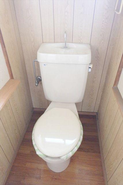ヤマジ貸家37号棟のトイレ