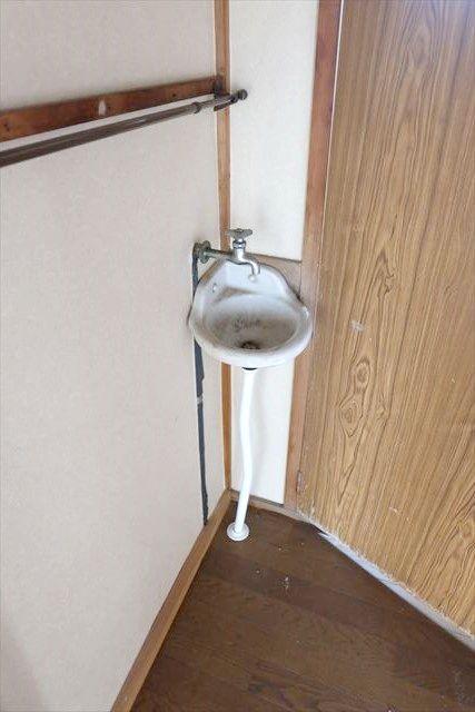 ヤマジ貸家39号棟の洗面所
