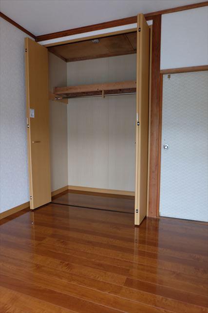 高橋ハイツ(北) 206号室の収納