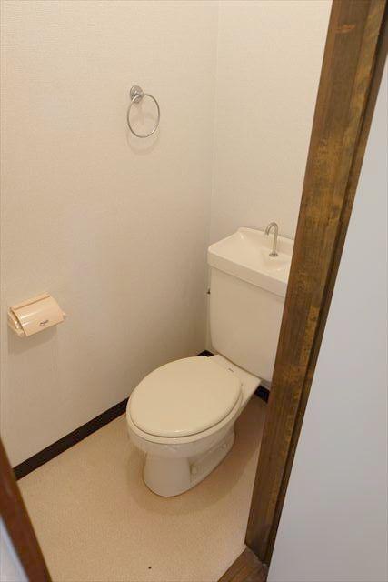 ネモトハイツ 202号室のトイレ