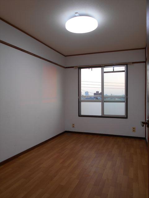 小山ハイコーポ 133号室のベッドルーム